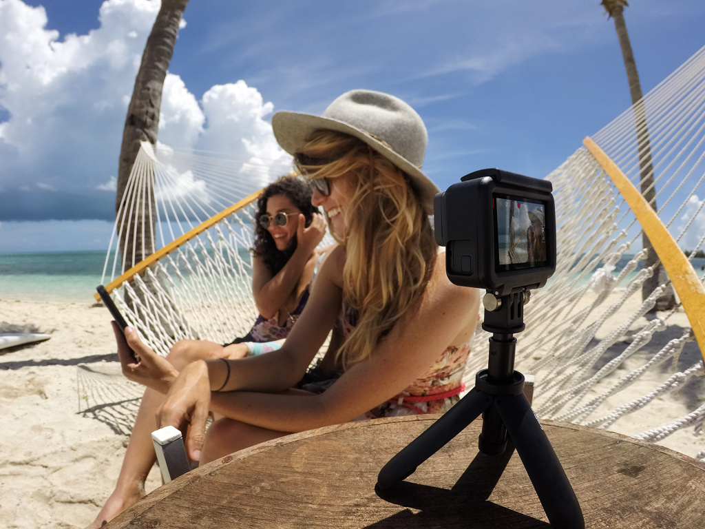 gopro-afttm-001-mini-monopod-shtativ-shorty_7.jpg
