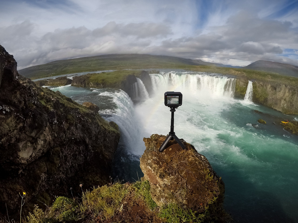 gopro-afttm-001-mini-monopod-shtativ-shorty_8.jpg